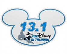 In Training runDisney 13.1 Mickey Mouse Magnet