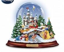 Old Fashioned Disney Christmas Snow Globe