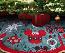 Mickey and Minnie Retro Christmas Tree Skirt