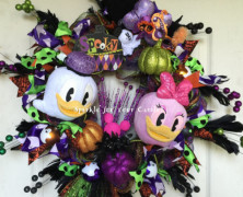 Donald and Daisy Halloween Wreath